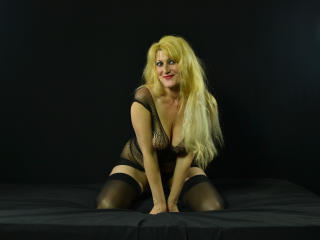 CreamyDreams - Sexy live show with sex cam on XloveCam