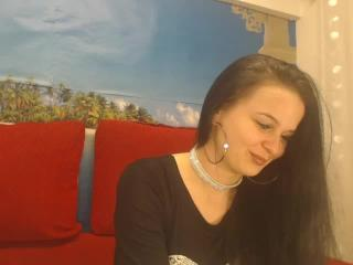 YourOnlyQueen - Sexy live show with sex cam on XloveCam®