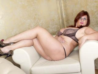 AliciaXHotty - Spectacle sex avec cette MILF (Mother I'd Like to Fuck) poil de carotte