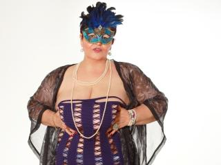 MatureMaidenX - Live cam nude with this dark hair Lady over 35