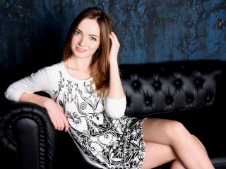 PlumGlori - Sexy live show with sex cam on XloveCam®