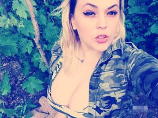 BlondeReine - Show sexy et webcam hard sex en direct sur XloveCam®