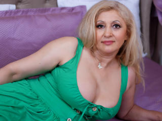MatureEroticForYou - Live chat sexy with this Hooters MILF