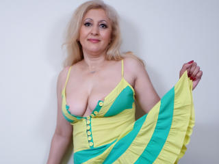 MatureEroticForYou - Live x with a Lady over 35 with huge knockers