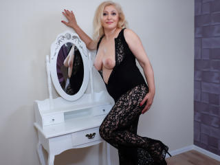 MatureEroticForYou - Live cam xXx with this sandy hair MILF