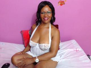 SexyKeilAss - Web cam exciting with this black hair Lady over 35