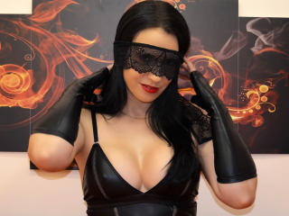 MissFetish - Chat cam xXx with this Lady with standard titties