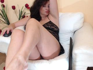 Emerald - Sexy live show with sex cam on XloveCam