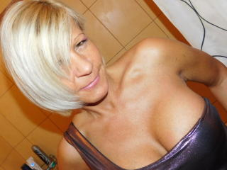 TequilaSilver - Webcam live exciting with this sandy hair Mature