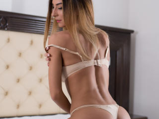Ysssa - Sexy live show with sex cam on XloveCam