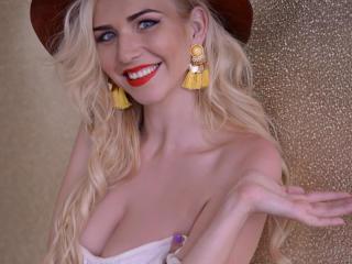 Sexy nude photo of YaryneMary