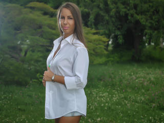 LannieHotX - Webcam live xXx with a being from Europe Sexy babes