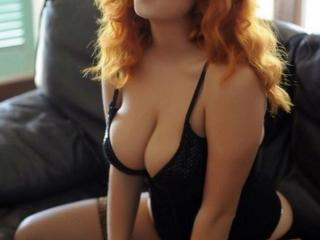 Eblouissante - Web cam nude with this light-haired Hot chicks
