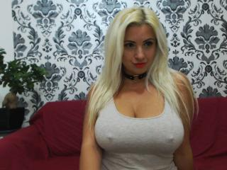 Corali - Sexy live show with sex cam on XloveCam