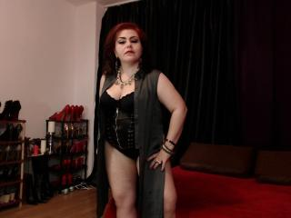 KaryQueen - online show sex with a obese constitution Dominatrix