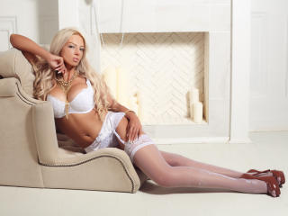 AmazingMiranda - Show sexy et webcam hard sex en direct sur XloveCam®