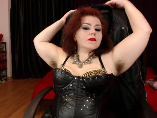 KaryQueen - Cam nude with this Mistress with big bosoms