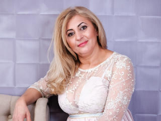MatureEroticForYou - Cam xXx with this standard body Mature