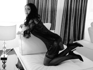 SoniaMartiny - Web cam nude with this being from Europe Young lady