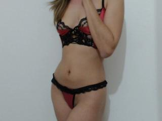 LaFrancaise - Chat cam hot with a brown hair Hot chick