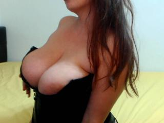 PansyHot - Video chat x with a Hot babe with big bosoms