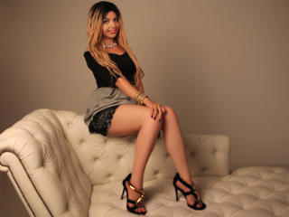 HypnoticLuciaX - Sexy live show with sex cam on XloveCam®