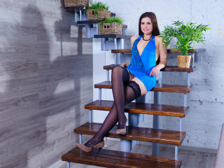 KamilaXHot - Sexy live show with sex cam on XloveCam®