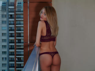 CherieMoniquee - Show sexy et webcam hard sex en direct sur XloveCam®