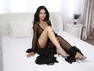 IreneCurtiz - Live xXx with this shaved private part Young and sexy lady
