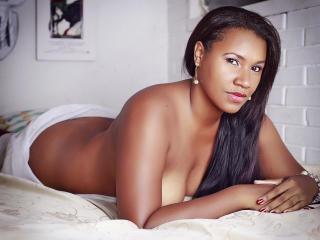 Sexy nude photo of DahianaLatin