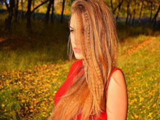 JacquelineSol - Live cam hot with this blond 18+ teen woman