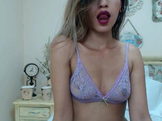 MelisaDalton horny girl show
