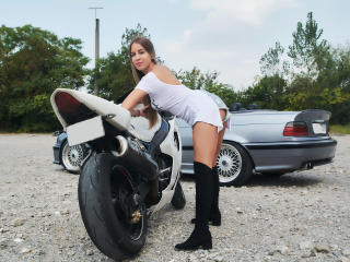 LannieHotX - chat online exciting with this European Hot babe