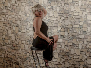 WideDelightX - online chat exciting with a average body Mature