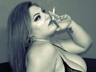 CurvySonnya - Show sexy et webcam hard sex en direct sur XloveCam®