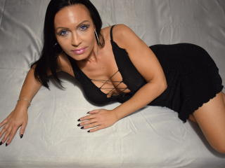 IrresistibleKelly - Chat cam sexy with this charcoal hair Mature
