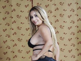 SexyBush - Sexy live show with sex cam on XloveCam®