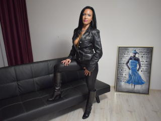 IrresistibleKelly - Web cam nude with a White Mature