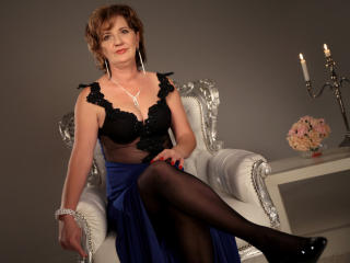 ExperiencedAlana - Live cam xXx with a shaved intimate parts MILF