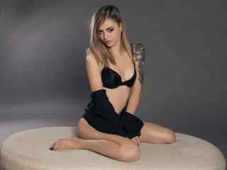 Sexy nude photo of CatyStar