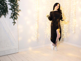BerryLouise - Chat hot with this brown hair Hot chicks