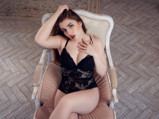 LindaLindle - Sexy live show with sex cam on XloveCam®