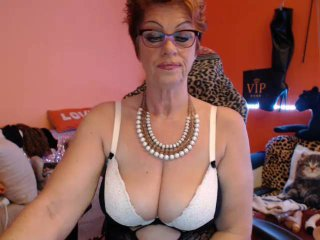 Bettina - Live x with this unshaven pussy Lady over 35