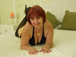 LynetteForYou - online show sexy with this ginger Attractive woman