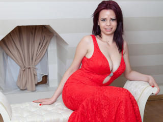 SexyHotSamira - Chat x with a Young lady with immense hooters