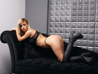 Sexy nude photo of AylineRey