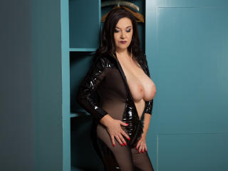 WantedNicole - Chat cam hard with this White Mature