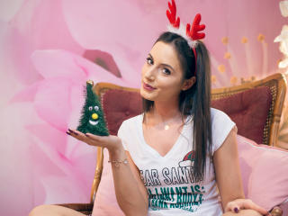GSarah - Chat live hard with this Young lady with average boobs