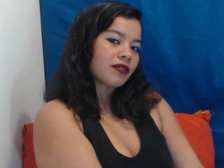 Vallentinaa - Live chat x with this black hair Sexy mother