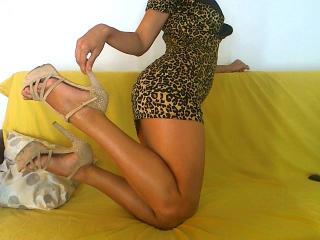 OneBrunetForYou - Live cam exciting with this European X teen 18+